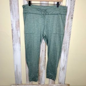 Aerie Chill Spandex Crop Green Jogger